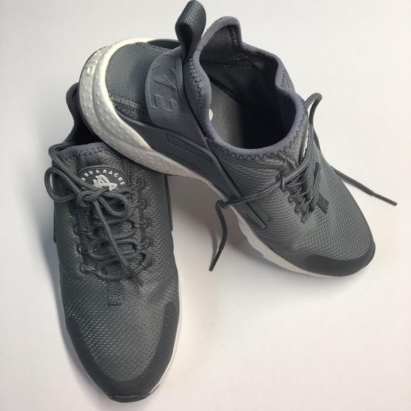 3397c96c2178b Women s Nike Air Huarache Running Shoes Size 9.0